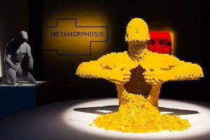 Exposição de Objetos Feitos com Legos em Nova York