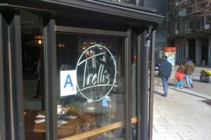 O que Significa a Letra A na Porta dos Restaurantes em Nova York?
